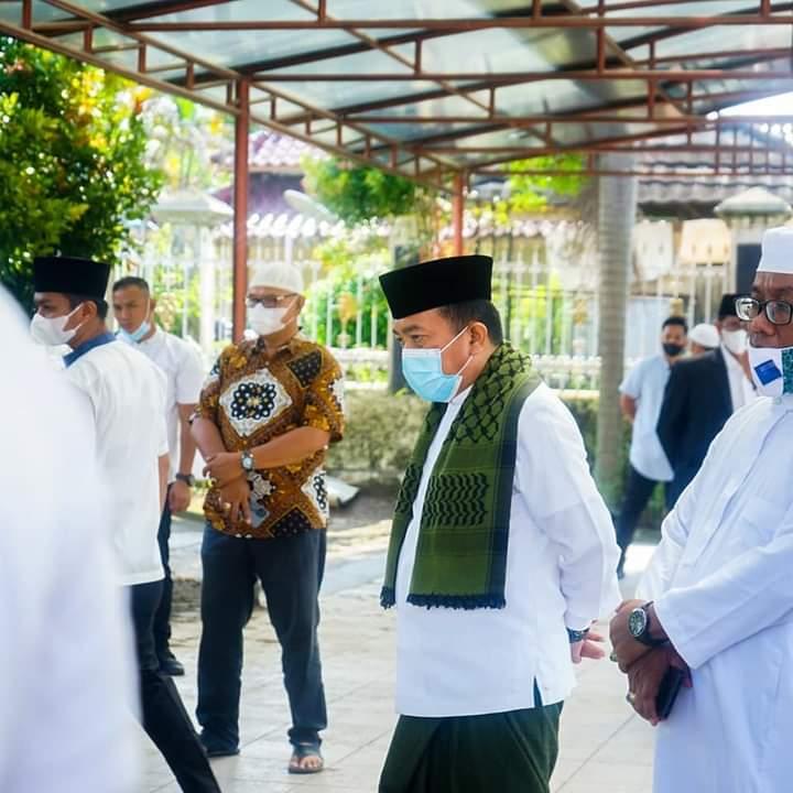 Ikuti Himbauan Wapres dan Kemenag Gubernur Laksanakan Sholat Idul Adha 1442 H diRumah Dinas