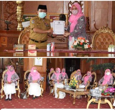 gubernur-jambi-al-haris-dukung-partisipasi-politik-perempuan-untuk-pembangunan-dan-bina-masyarakat
